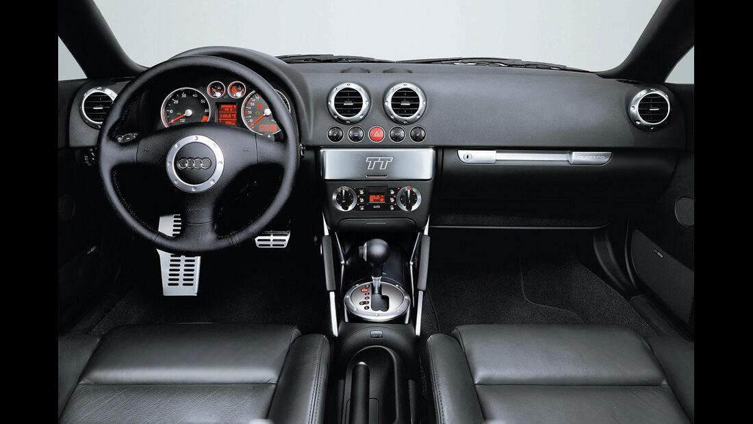 Audi TT 3.2 Quattro Coupé, 2003, Cockpit