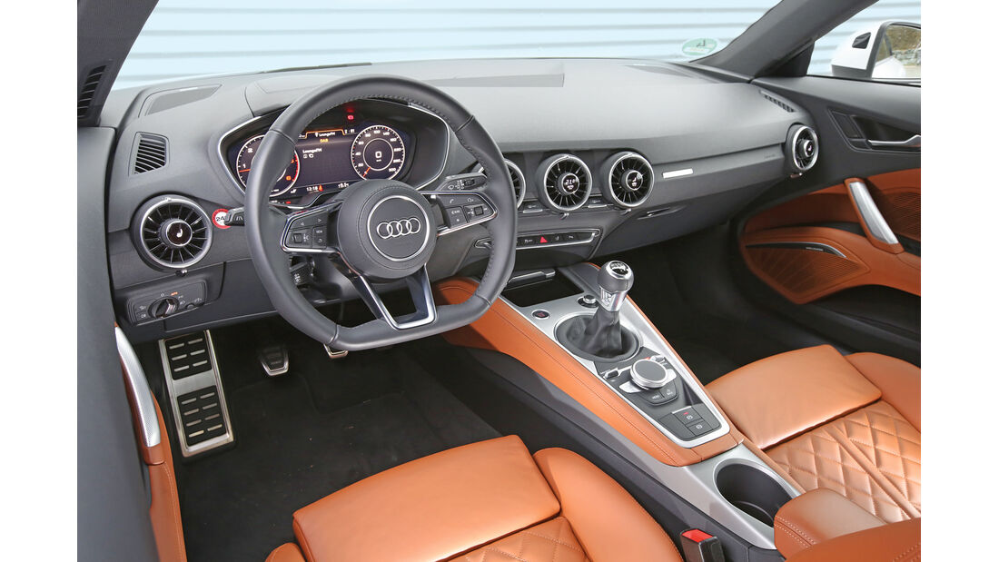 Audi TT Coupé 2.0 TDI, Cockpit