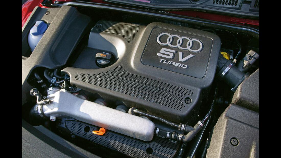 Audi TT Coupé Quattro, Motor
