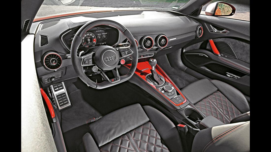 Audi TT RS Coupé, Cockpit