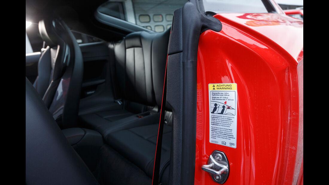 Audi TT RS Coupé, Fondsitze