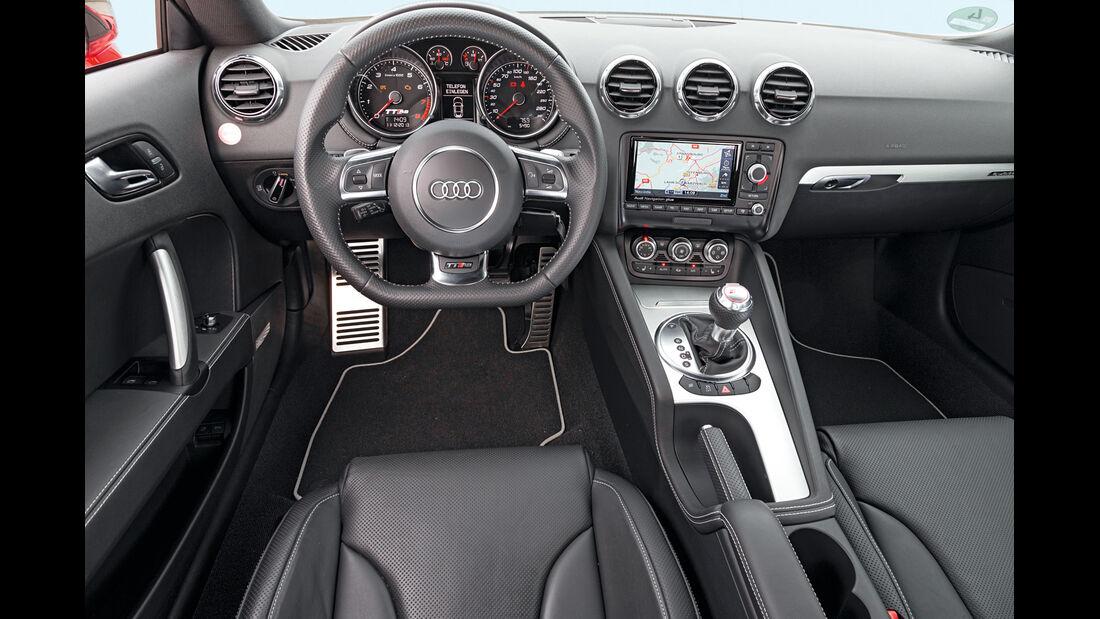 Audi TT RS Plus, Cockpit