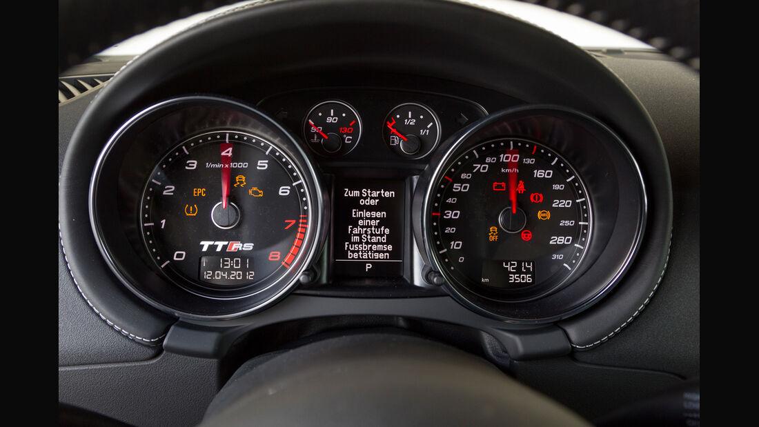 Audi TT RS Plus Coupé S-Tronic, Tacho, Rundinstrumente