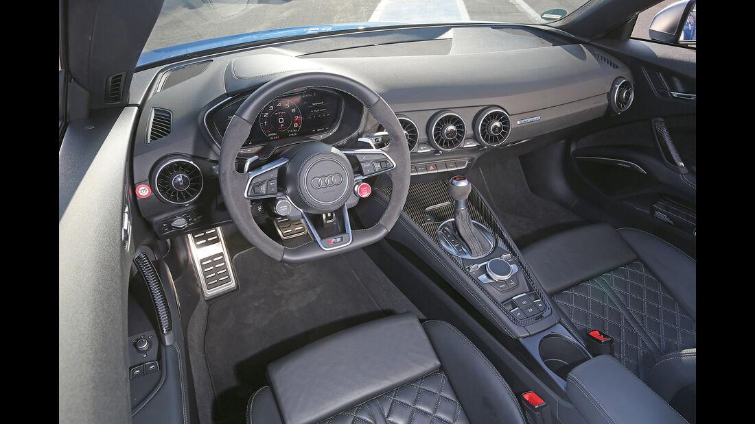 Audi TT RS Roadster, Cockpit