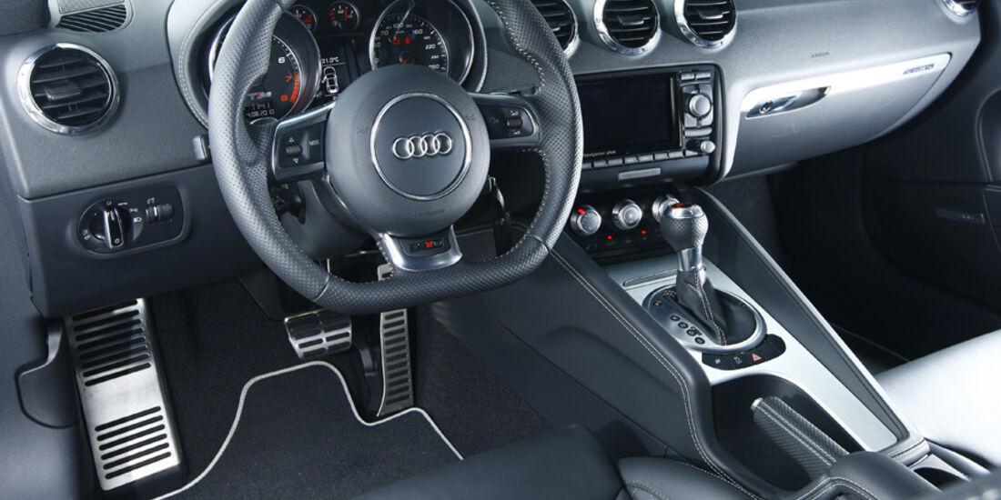 Audi TT RS S tronic, Cockpit