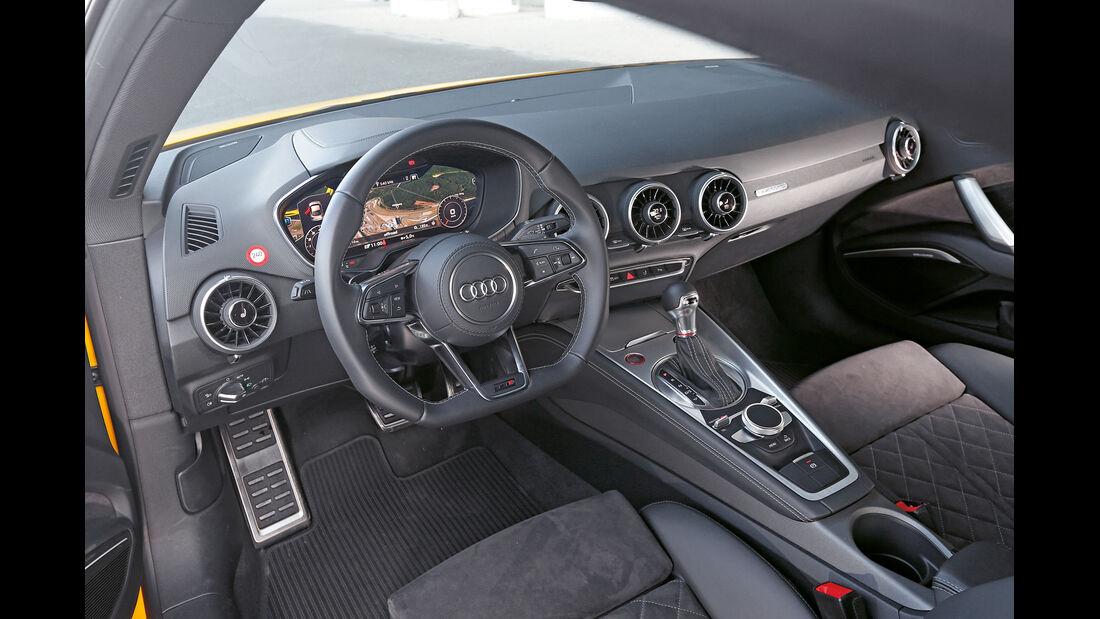 Audi TTS, Cockpit