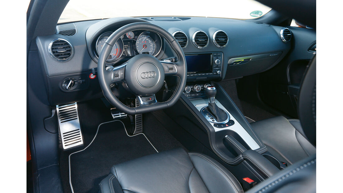 Audi TTS, Cockpit, Lenkrad