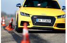 Audi TTS Coupé, Frontansicht, Slalom