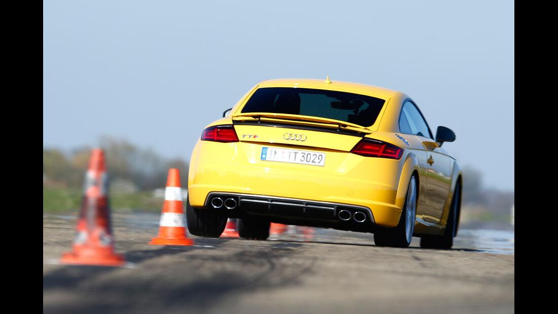 Audi TTS Coupé, Heckansicht, Slalom