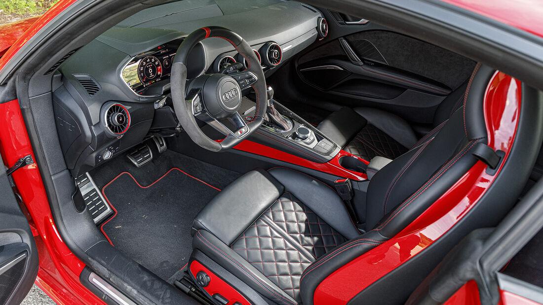 Audi TTS, Interieur