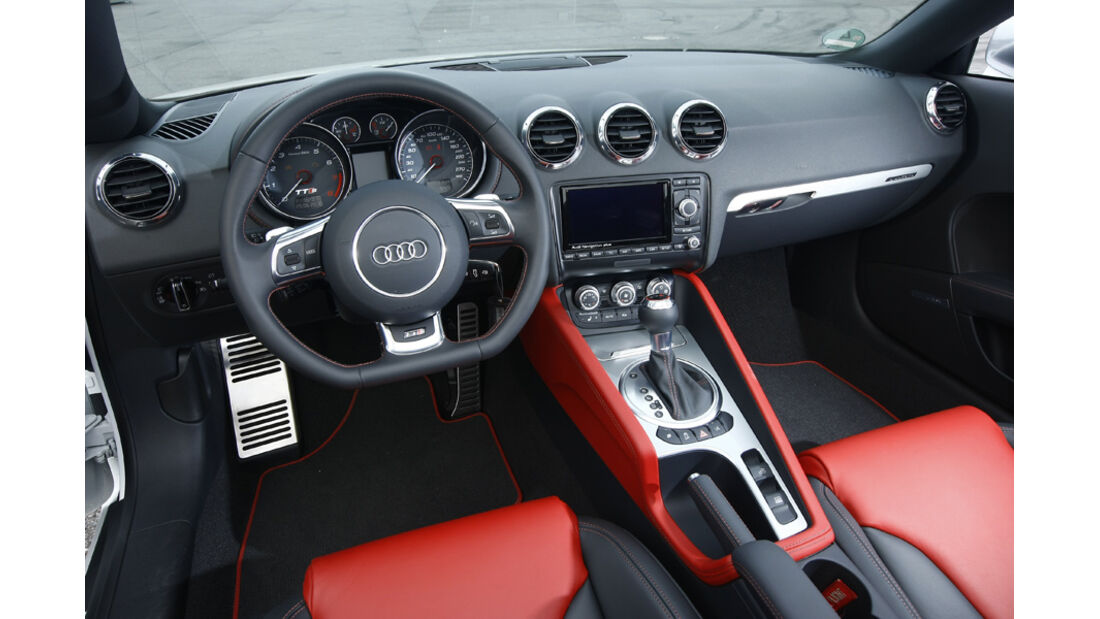 Audi TTS Roadster Cockpit
