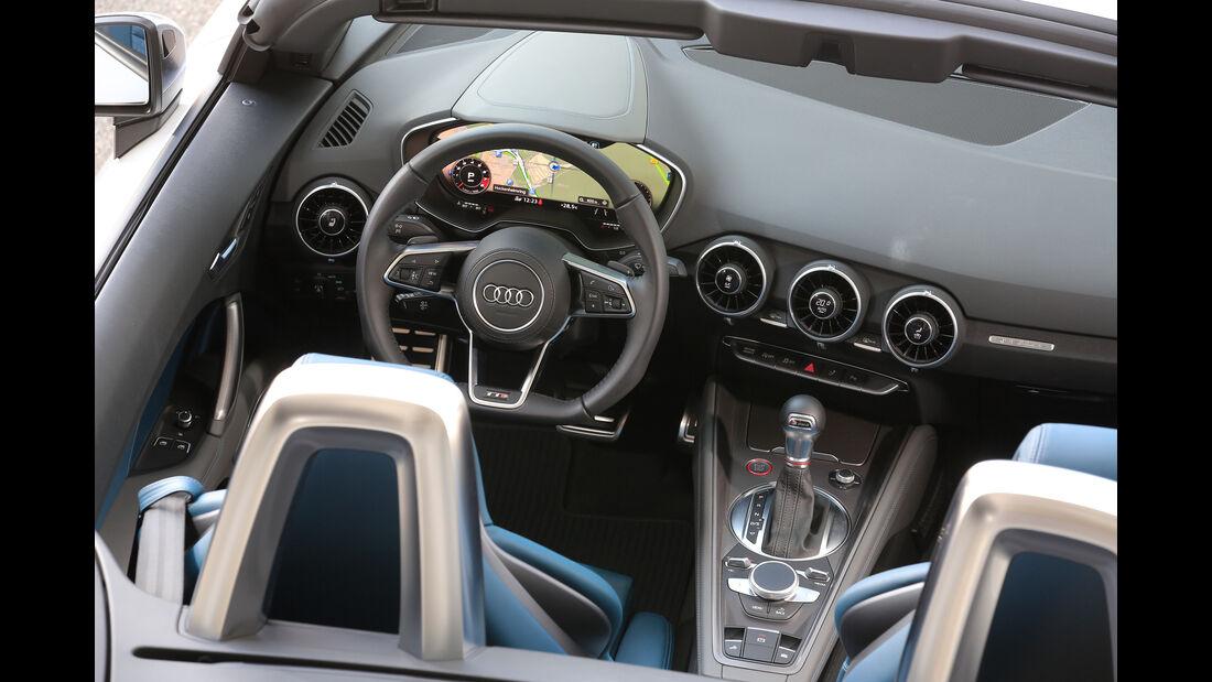 Audi TTS Roadster, Cockpit