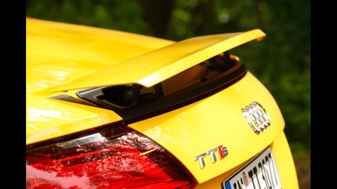 Audi TTS Roadster, Heckspoiler