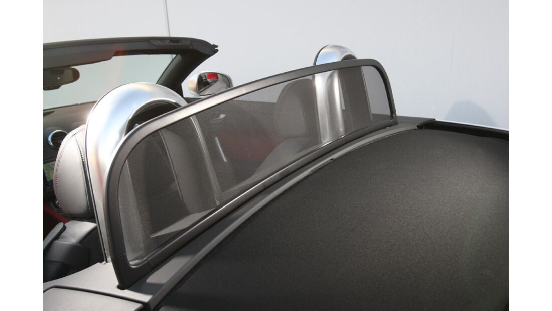 Audi TTS Roadster, Windschott