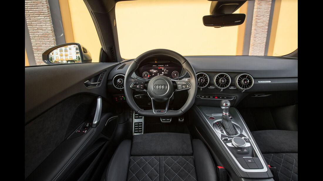 Audi TTS S tronic, Cockpit