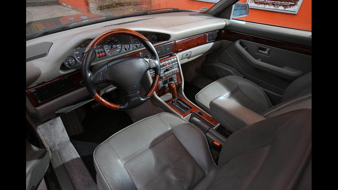 Audi V8, Cockpit