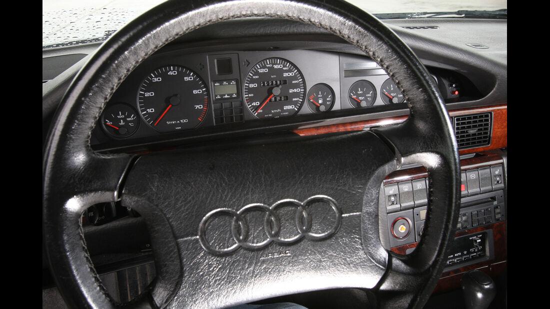 Audi V8, Lenkrad