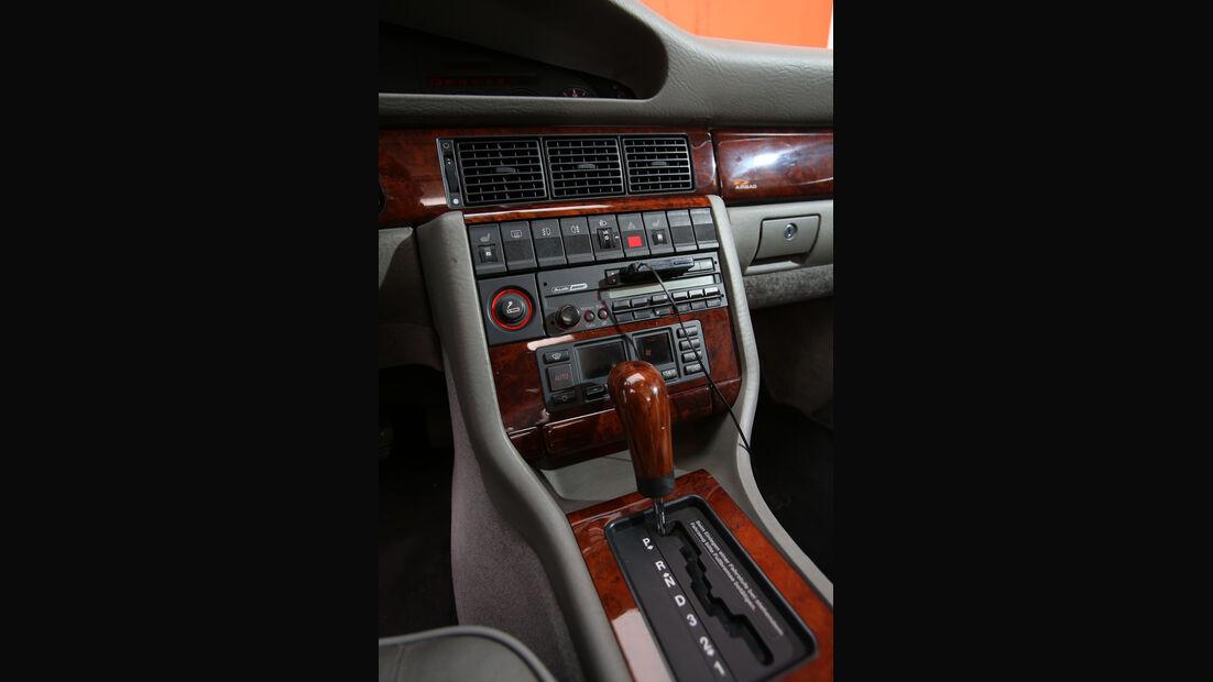 Audi V8, Typ 4C, 1988–1994, Mittelkonsole
