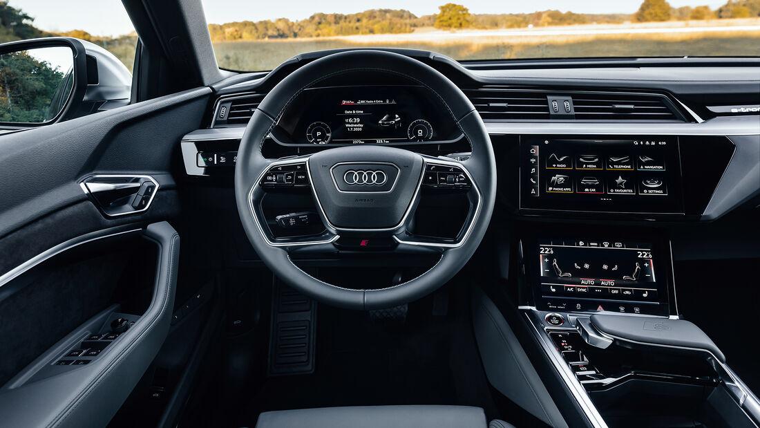 Audi e-tron S Sportback - E-Auto - Elektromotor - Cockpit