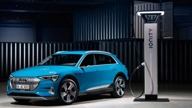 Audi e-tron an Ionity-Ladesäule