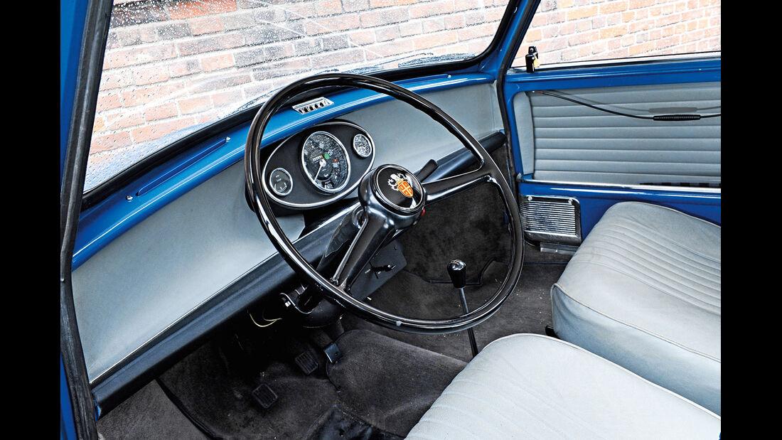Austin Mini MK II Countryman, Cockpit