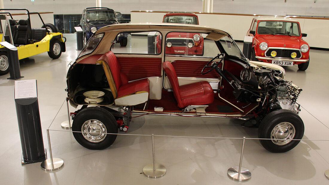 Austin Mini Schnittmodell im British Motor Museum