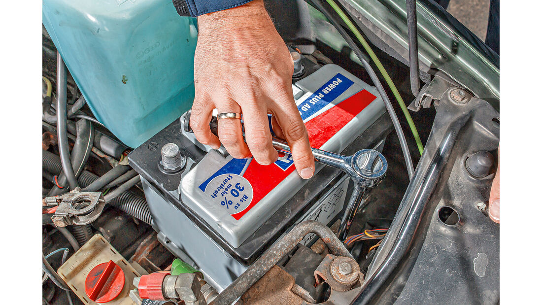 Auto Batterie Wechsel