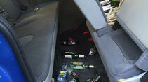 Auto Innenraum Chaos