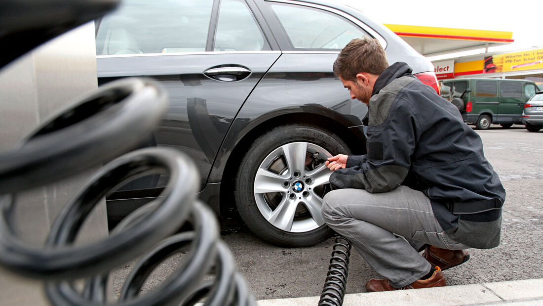 Auto - Reifendruckkontrolle - Winter-Check
