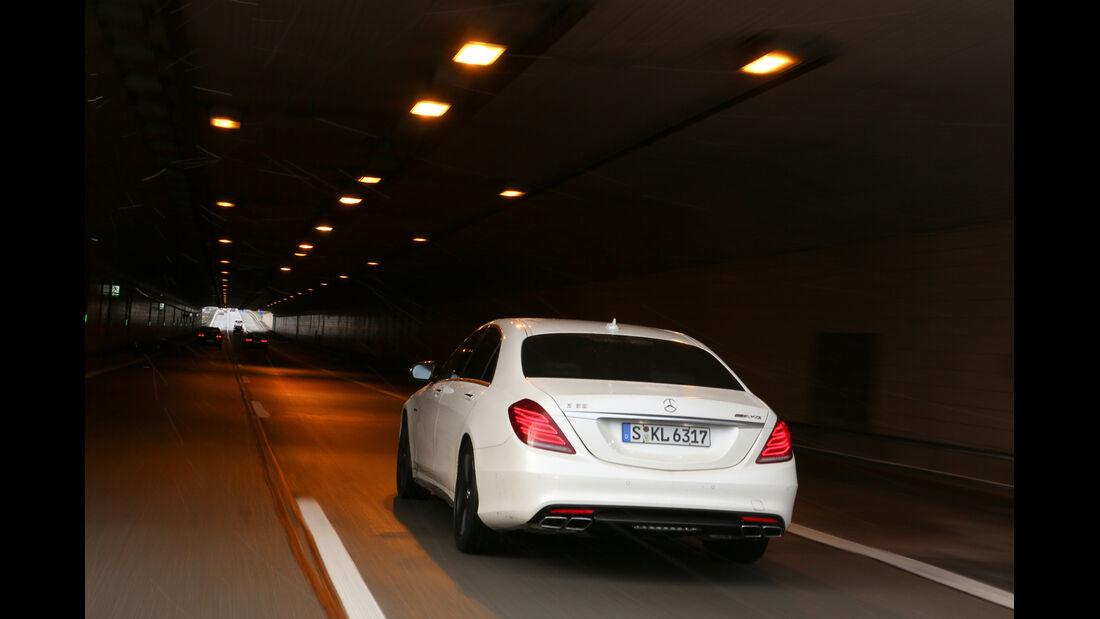 Autobahn-Reise, Mercedes S63 AMG, Tunnel