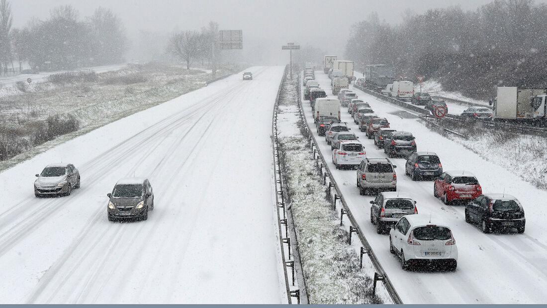 Autobahn Schnee