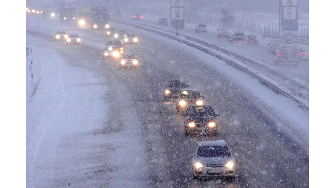 Autobahn Schnee Oktober 2012
