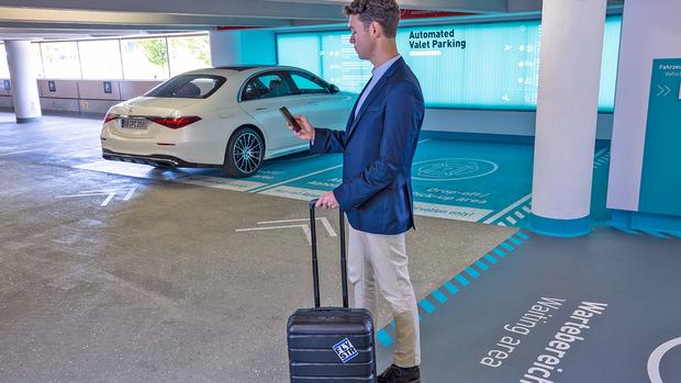 Automated Valet Parking Stuttgart Flughafen Mercedes S-Klasse