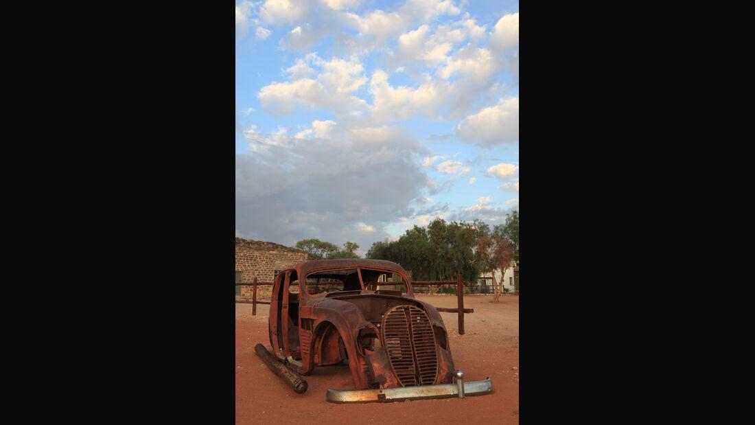 Autowracks in Namibia, Helmeringhausen