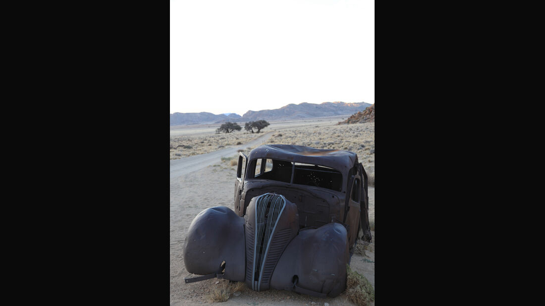 Autowracks in Namibia, Hudson, Frontansicht