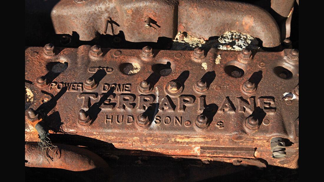 Autowracks in Namibia, Motorblock, Hudson