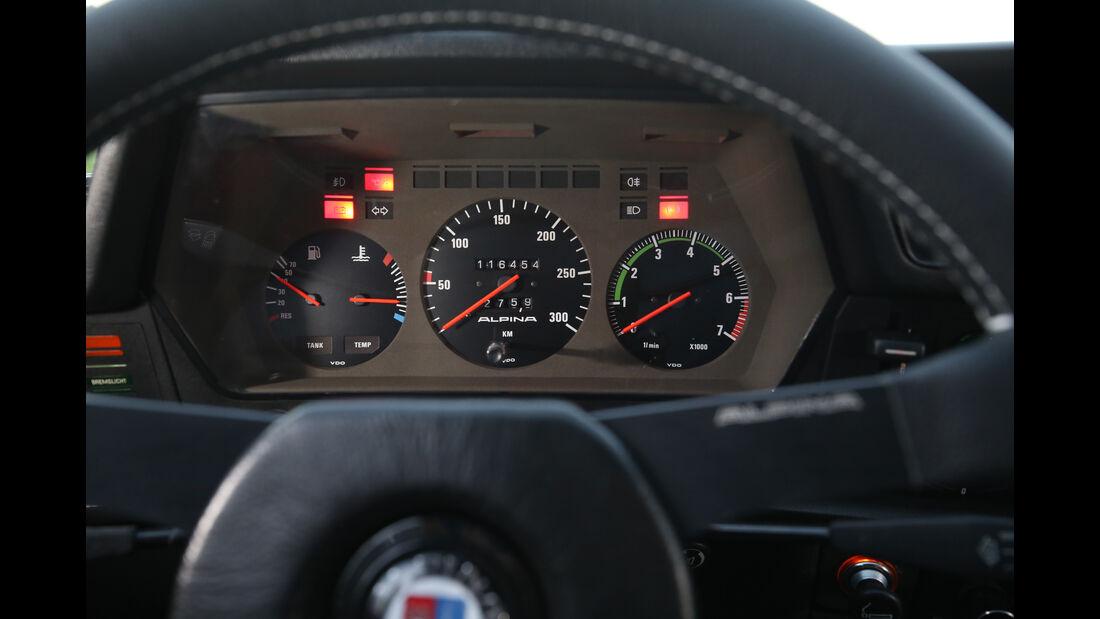 B7 S Turbo Coupé, Armaturenbrett