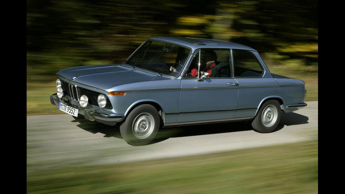 BMW 02, Seitenansicht