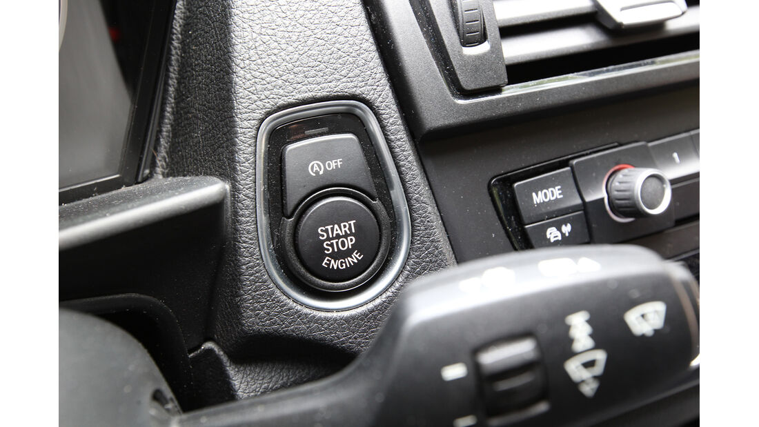 BMW 114i, Start-Stopp-Automatik, Lenkradhebel
