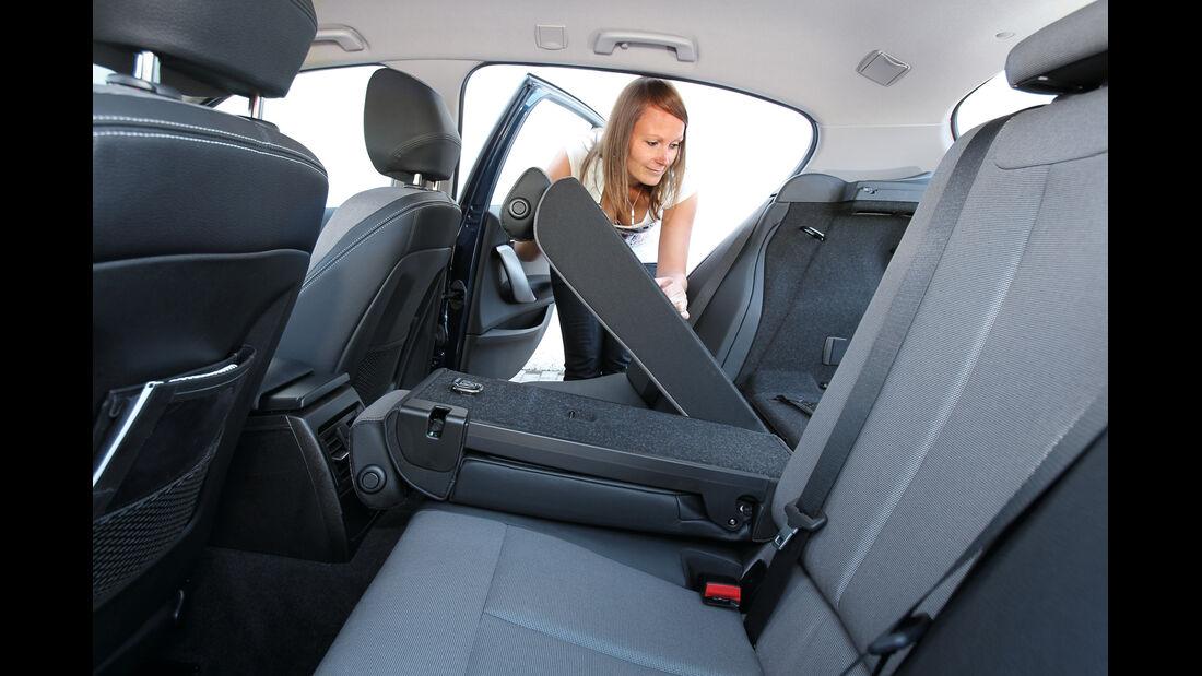 BMW 118d, Rücksitz, Umklappen