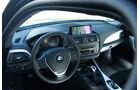 BMW 118d Sport Line, Cockpit, Lenkrad