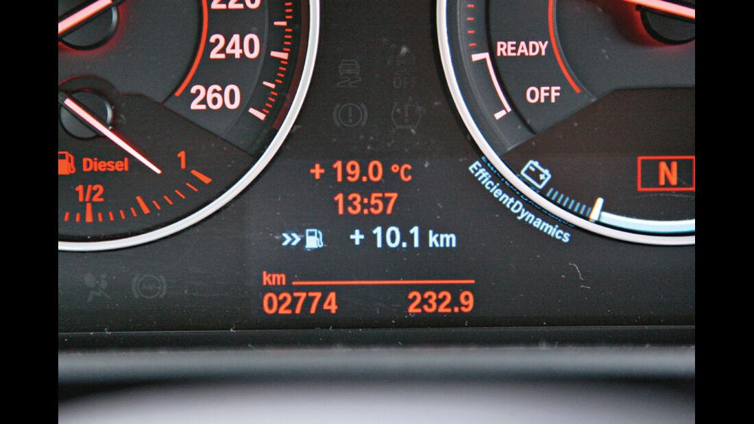 BMW 120d Sport Line, Anzeige