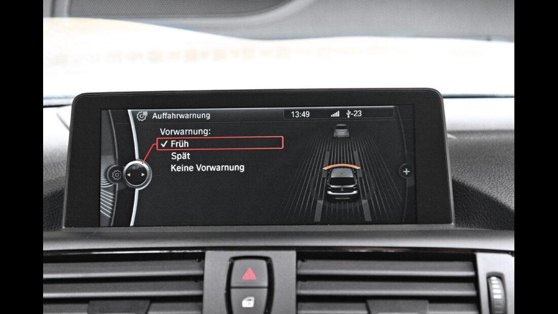 BMW 120d Sport Line, Display, Auffahrwarner