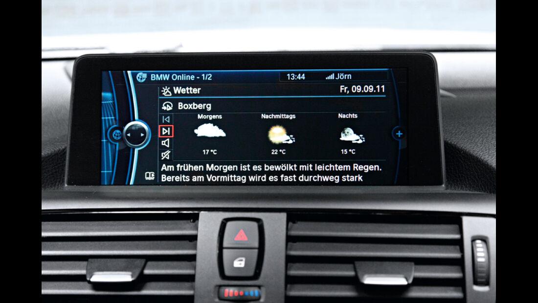 BMW 120d Sport Line, Display Internet