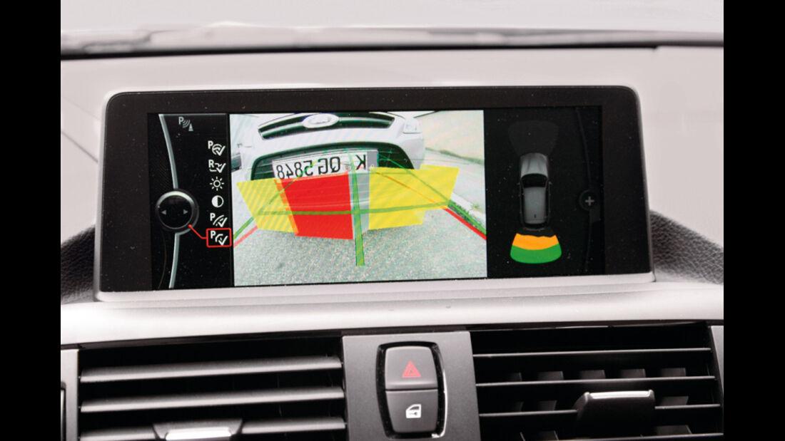BMW 120d Sport Line, Display, Parkhilfe