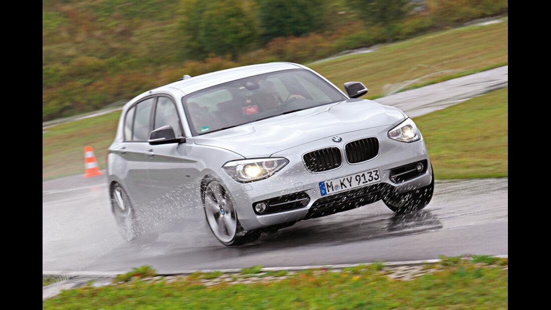 BMW 120d Sport Line, Nasshandling