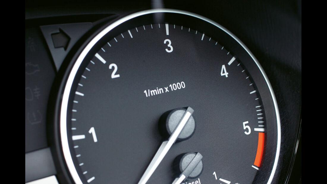 BMW 123d Cabriolet, Rundinstrument
