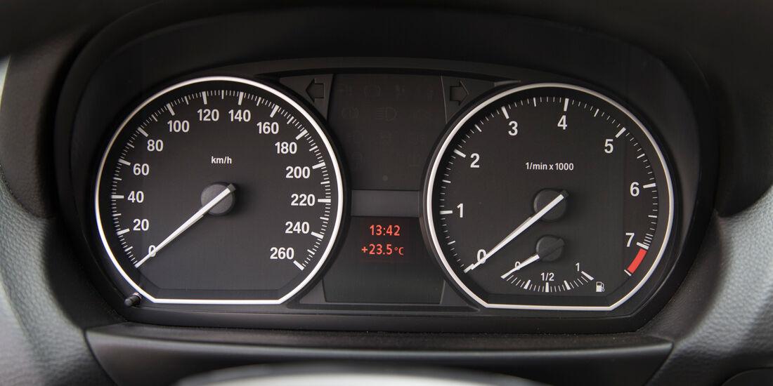 BMW 125i Cabrio, Rundinstrumente, Tacho