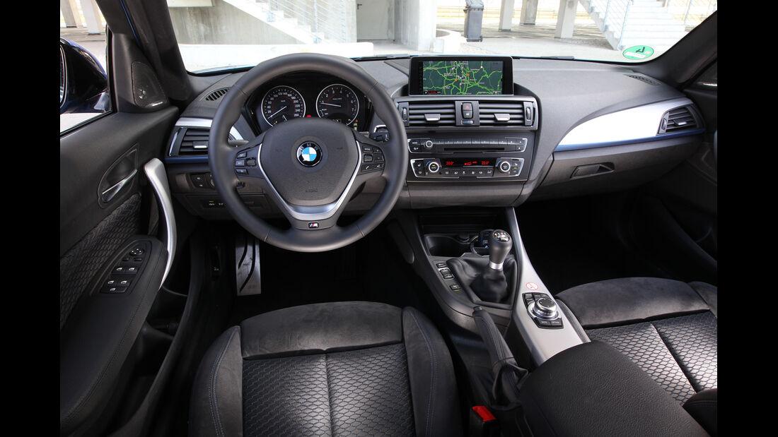 BMW 125i, Cockpit, Lenkrad