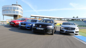 BMW 125i, Ford Focus ST, Mercedes A 250, VW Golf GTI, Frontansicht